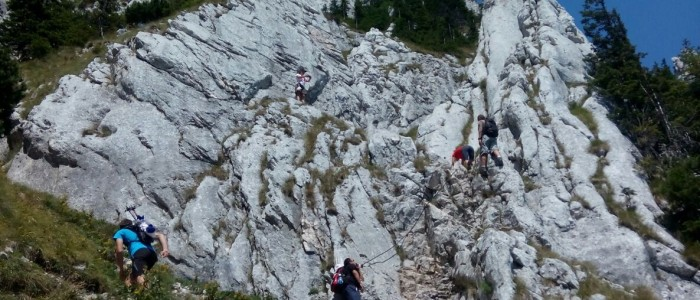 hiking-piatra-craiului-national-park-mountains-ridge