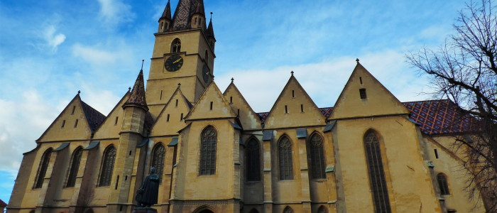 medieval-sibiu-culture-1191-evangelical-cathedral-day-tours