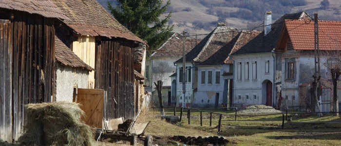 transylvania-rural-old-village-medieval-farm
