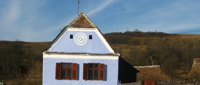 transylvania-rural-old-village-medieval-farm-house-traditional
